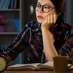 """Κορoναϊός και """"cabin fever"""": Πώς διαχειριζόμαστε την απομόνωση;"""